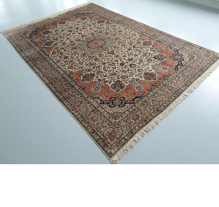6' 9 x 9' 8 Kashan Persian Rug