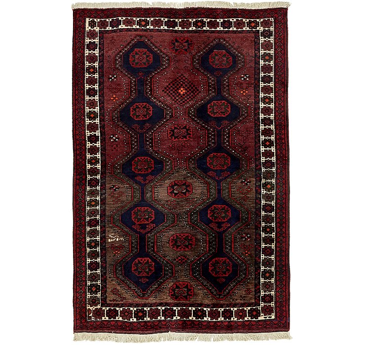 4' 9 x 6' 10 Shiraz Persian Rug