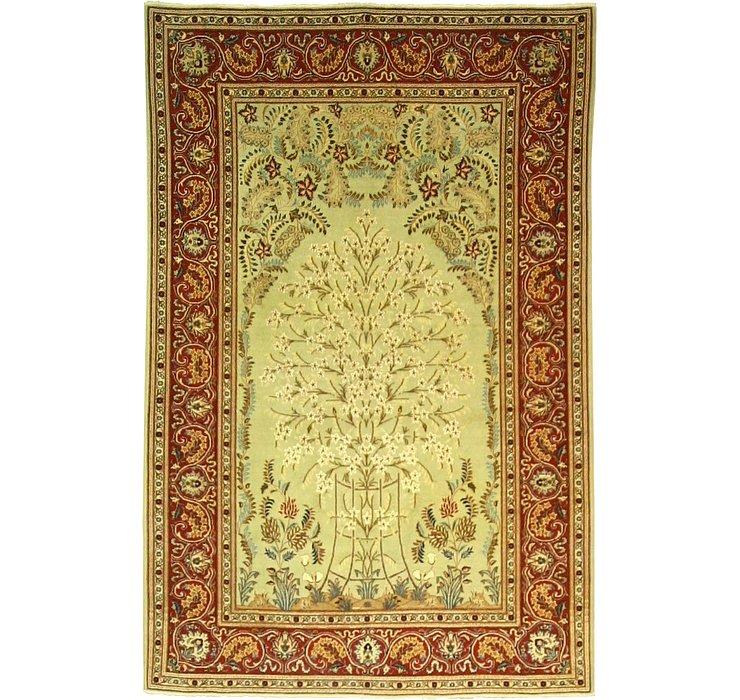 4' 5 x 6' 9 Kashan Persian Rug