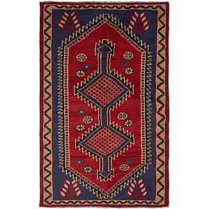 4' 8 x 7' 8 Shiraz Persian Rug