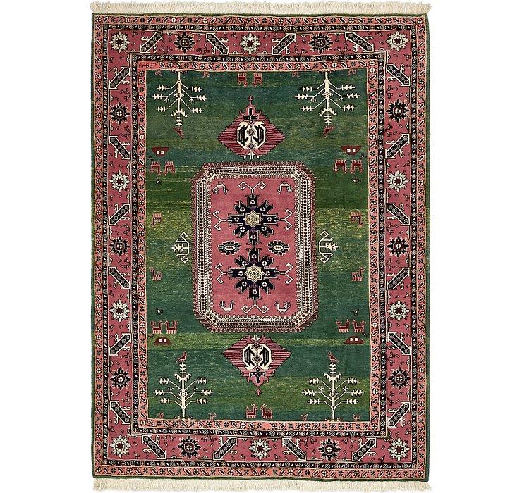 5' 7 x 8' Heriz Persian Rug