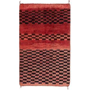 4' x 6' 10 Moroccan Rug