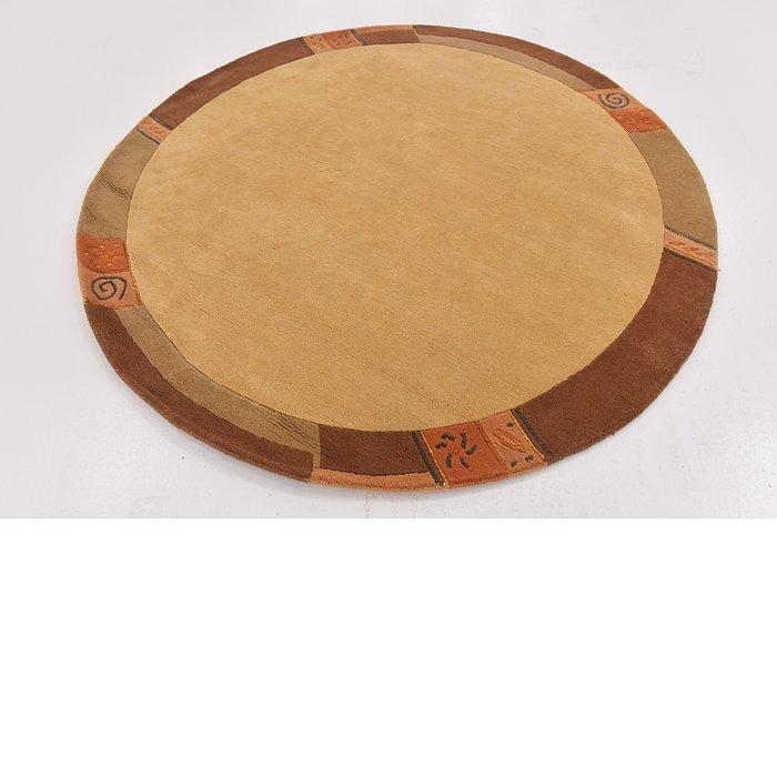 6' 7 x 6' 7 Nepal Round Rug