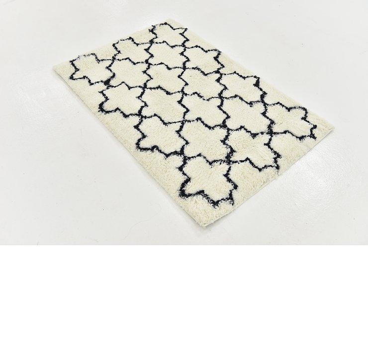 2' 7 x 4' Textured Shag Rug