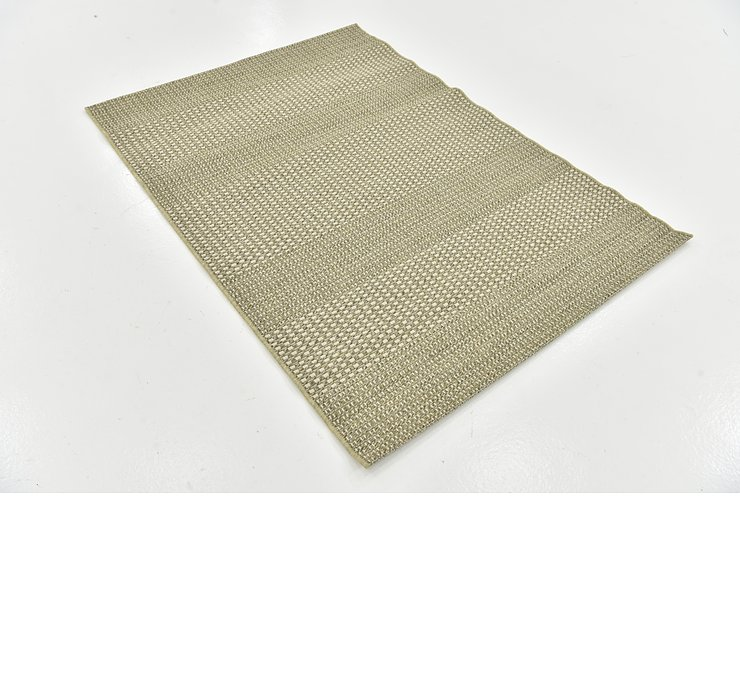 4' x 5' 6 Outdoor Border Rug