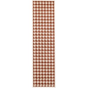 Link to 2' 7 x 10' Houndstooth Runner Rug page