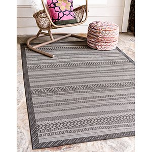 Unique Loom 7' x 10' Outdoor Border Rug
