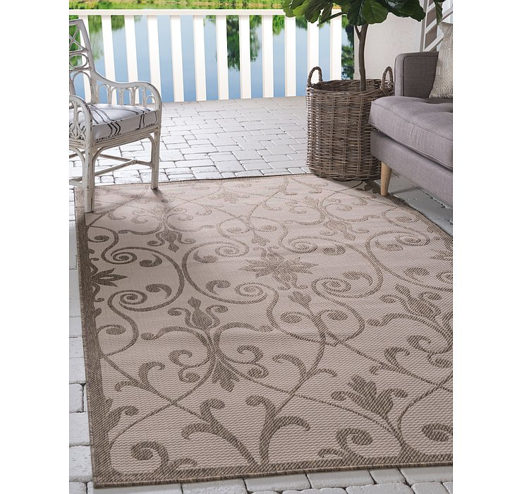 5' 3 x 8' Outdoor Botanical Rug