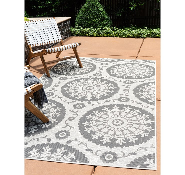 3' 3 x 5' Outdoor Botanical Rug