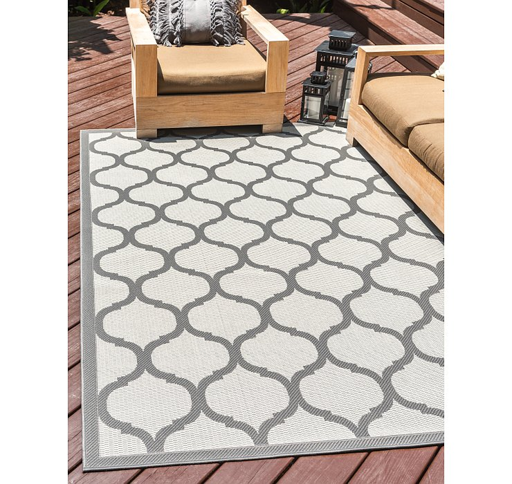 5' 3 x 8' Outdoor Lattice Rug