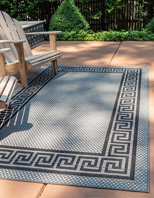 gray 2 39 2 x 3 39 outdoor border rug area rugs irugs uk. Black Bedroom Furniture Sets. Home Design Ideas