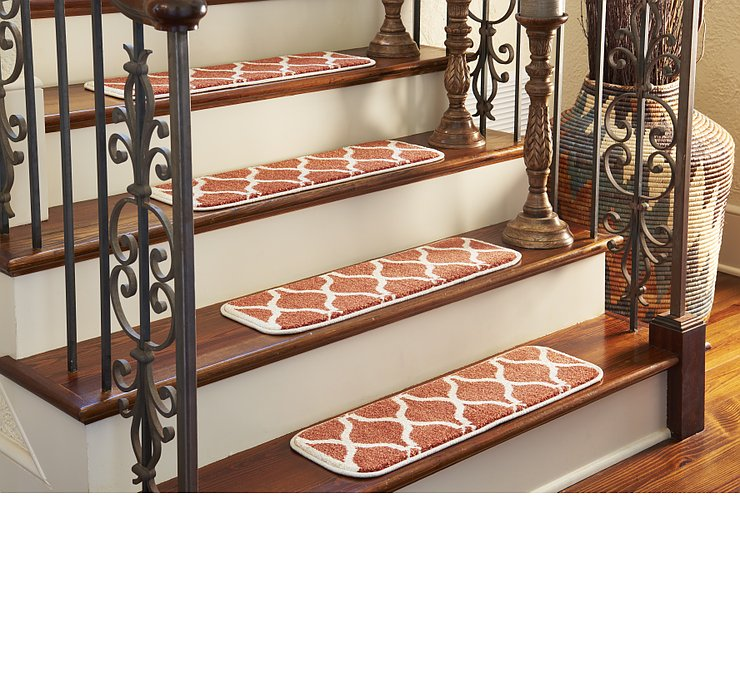 0' 9 x 2' 6 Lattice Stair Tread Rug