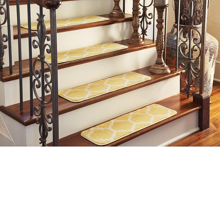 0' 9 x 2' 6 Trellis Stair Tread Rug