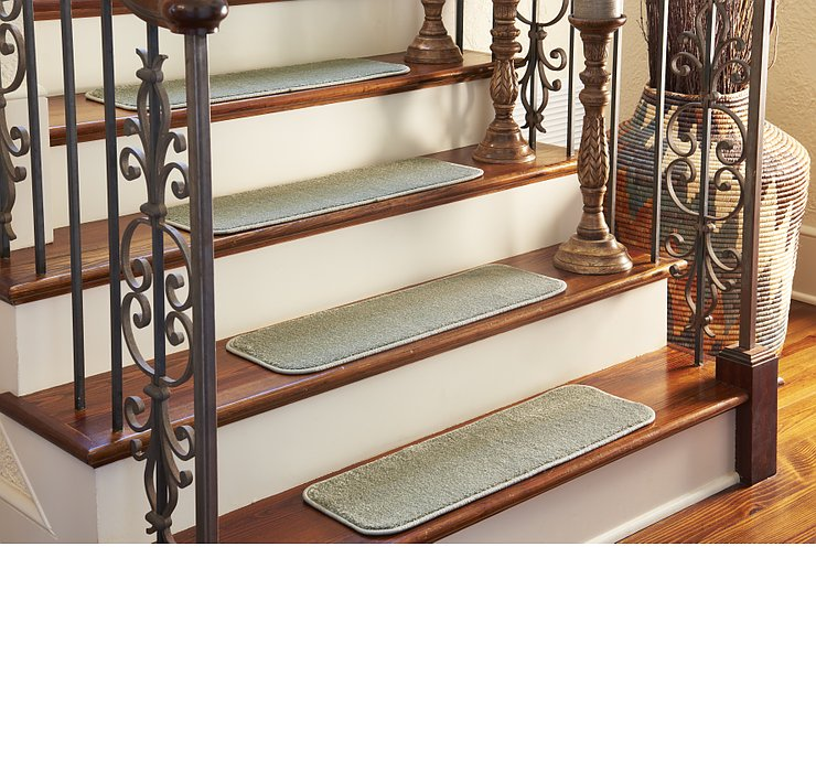 0' 9 x 2' 6 Solid Stair Tread Rug