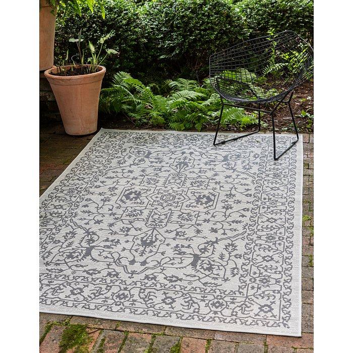 7' x 10' Outdoor Botanical Rug