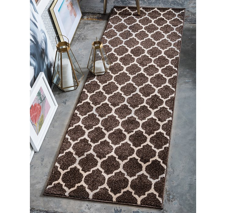 2' 7 x 10' Lattice Runner Rug
