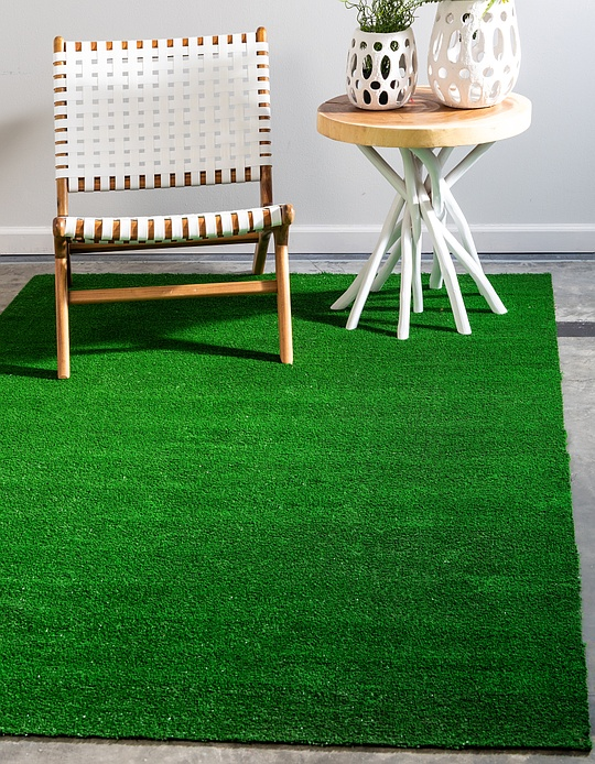 Green  4' x 6' Outdoor Grass