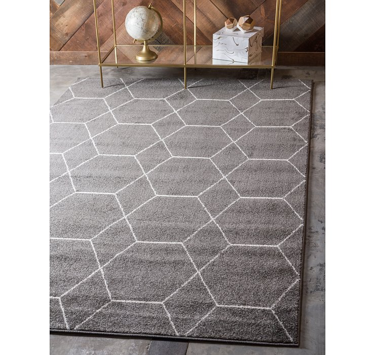 10' x 14' Lattice Frieze Rug