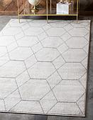 2' x 3' Trellis Frieze Rug thumbnail