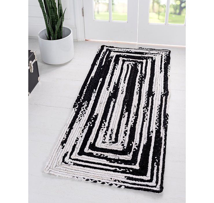 2' 6 x 6' Braided Chindi Runner Rug