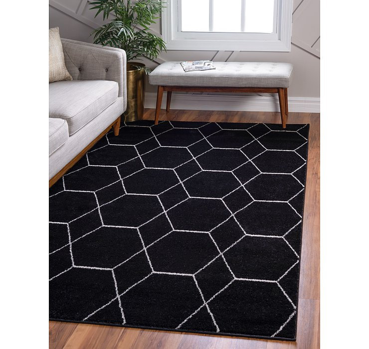 5' x 8' Lattice Frieze Rug